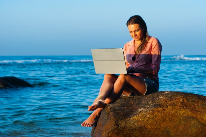 Blending Work and Leisure: 6 Essential Survival Tips for Any Digital Nomad out There