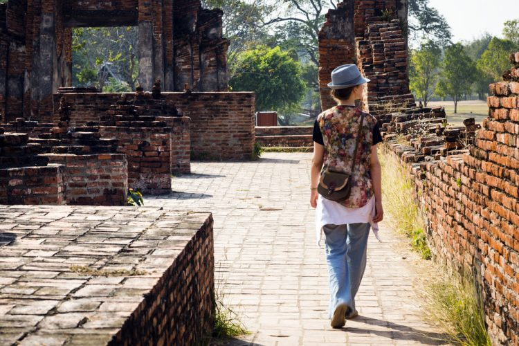 When the Road Becomes Your Bride: 5 Important Lessons You Can Learn by Traveling Solo
