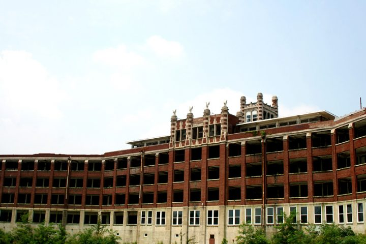 Visiting Waverly Hills Sanatorium: The Hospital for Treating 20th Century's White Plague Patients